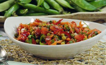 Bezelye Salatası Tarifi Nasıl Yapılır