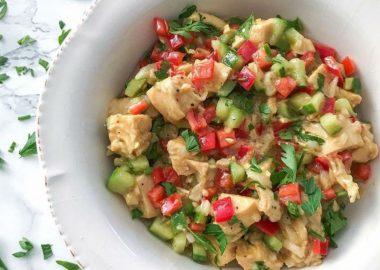 Hardal Soslu Tavuk Salatası Tarifi