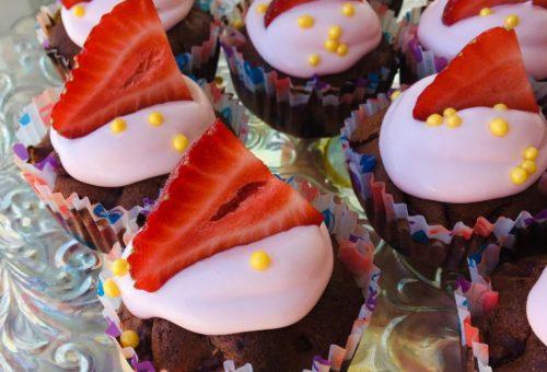 Rafine Şekersiz Çilekli Cupcake Diyet Tarifi