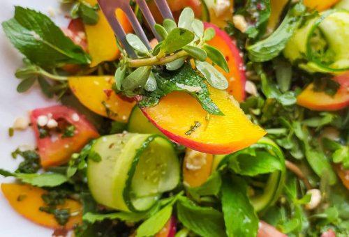 Şeftalili Naneli Yaz Salatası Tarifi