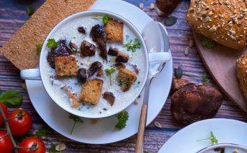 Soya Kremalı Mantar Çorbası Tarifi