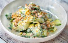 Yoğurt Soslu Çiğ Kabak Salatası Diyet Tarifi